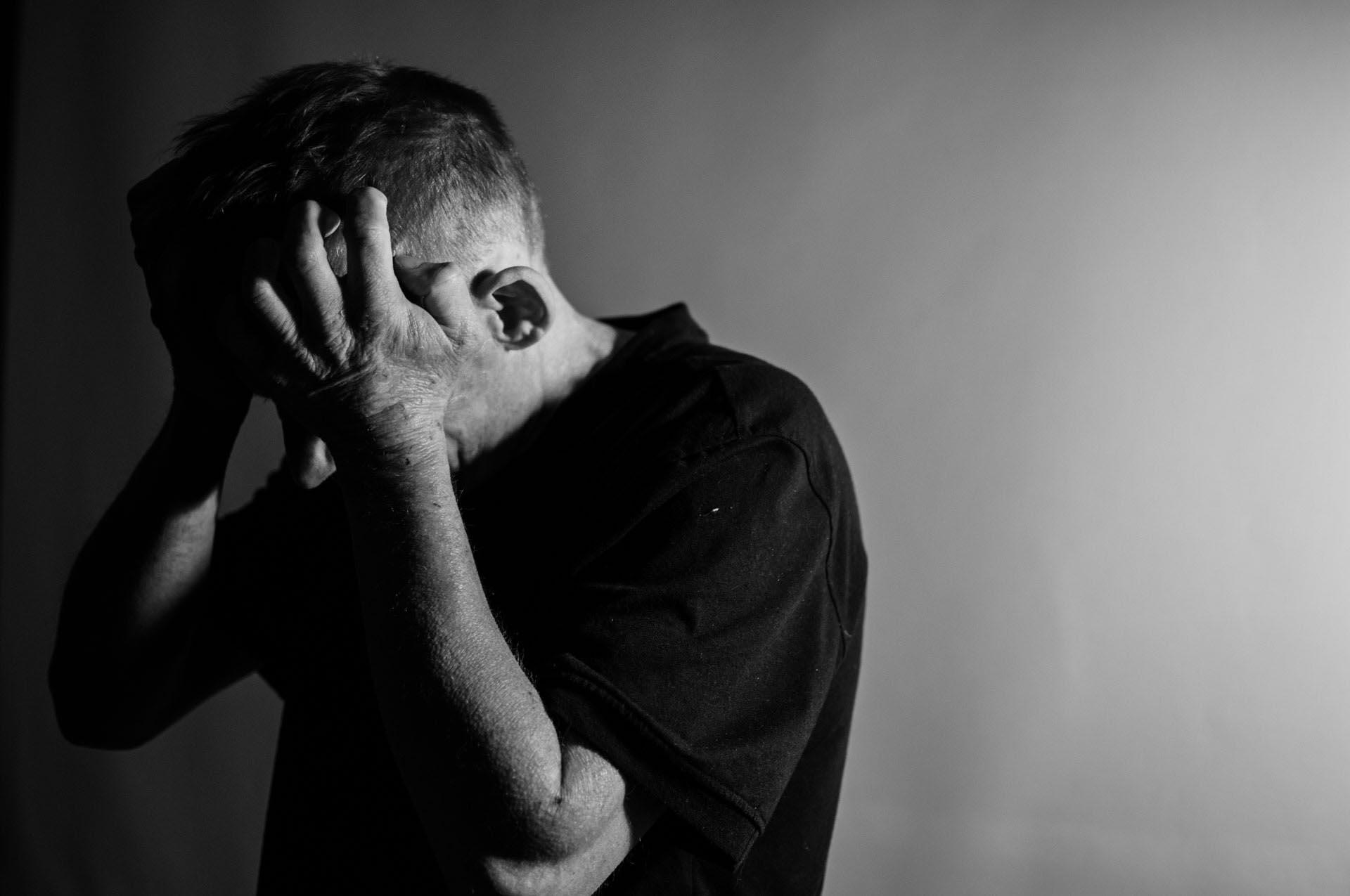 si experimentas estos sintomas contacta a un psicologo para superar la ansiedad