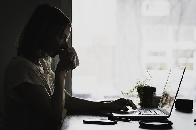 ¿Qué es la terapia online y cómo funciona? Conoce todas sus ventajas y beneficios