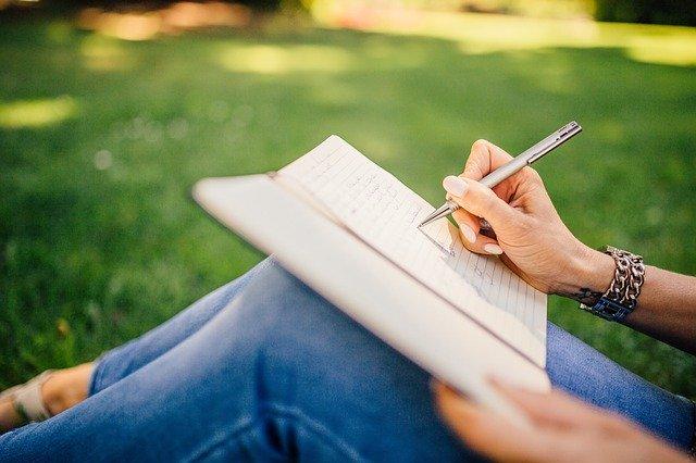 ¿Eres demasiado autocrítico?: 10 señales que te ayudarán a identificarlo