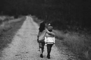no debes decir estas frases si tu hijo tiene ansiedad infantil